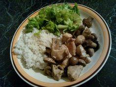 Рис, курка з грибами,свіжий салат)