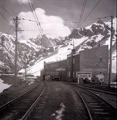 Mendoza, Railroad Tracks, Train Stations, Outdoor, Trains, Top Gun Movie, Historical Photos, Parking Lot, Antique Photos