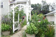 Hometalk :: Make this beautiful arbor from old posts and table legs. I am always p…