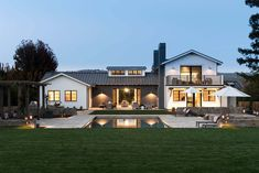 Delightful contemporary farmhouse takes shape in California wine country