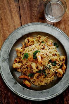 CAJUN SEAFOOD AND NOODLES - 6 ounces uncooked medium noodles (about 3 cups) 1 tablespoon vegetable oil 3/4 cup cho...