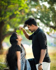 Kerala Wedding Photography, Photo Poses For Couples, Wedding Couple Poses Photography, Couple Photoshoot Poses, Cute Photography, Beautiful Arab Women, Beautiful Girl Photo, Love Couple Photo, Cute Couple Pictures