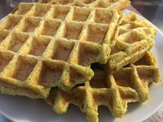Gaufres au brocoli et quinoa Snacks, Breakfast, Food, Cooks Illustrated Recipes, Savory Waffles, Dinner Healthy, Snacks Ideas, Quick Recipes, Eten