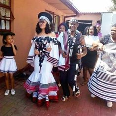 South African Traditional Dresses, Traditional Outfits, Traditional Fashion, Traditional Wedding, African Wear Dresses, Latest African Fashion Dresses, African Outfits, African Wedding Attire, African Attire