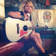 best ideas about Miranda Lambert Country Female Singers, Country Music Artists, Country Music Stars, Leigh Lambert, Blake Shelton Miranda Lambert, Nashville Star, George Jones, Woman Crush, Country Girls