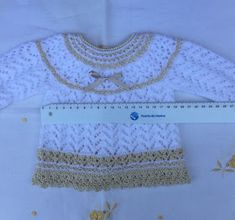 Blog Abuela Encarna: septiembre 2018 Baby Sweater Knitting Pattern, Knitting Patterns, Knitting For Kids, Baby Knitting, Baby Sweaters, Baby Dress, Knit Crochet, Embroidery, Blog
