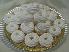 Hungarian Desserts, Hungarian Recipes, Meringue Cookies, Pavlova, Diy Food, Christmas Cookies, Sweet Recipes, Bakery, Food And Drink