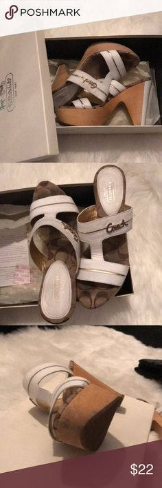 💛COACH JONAH SANDALS 💛 Pre loved sandals, they are very pretty.....there are scuff marks as shown in photos Coach Shoes Mules & Clogs
