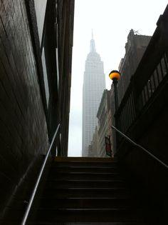 NYC. Manhattan. Empire State Building - Subway 6