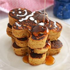 Enjoy these delicious, fluffy, gingery and good-looking gingerbread pancakes. You'll want to make them every morning!