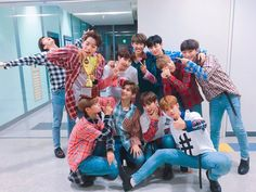 "Watch: Wanna One Takes Win And Triple Crown For ""Energetic� On ""Show Champion,� Performances By HyunA, Sunmi, And Jinyoung, Ong Seung Woo, You Are My World, Jin Kim, Guan Lin, Lai Guanlin, Produce 101 Season 2, Thing 1, Lee Daehwi"