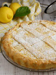 CROSTATA AL LIMONE. Fresca, morbida e profumata Easy Cake Recipes, Sweet Recipes, Dessert Recipes, Italian Desserts, Italian Recipes, Biscuit Dessert Recipe, Torte Cake, Sweet Cakes, Food To Make