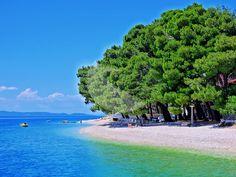 Mala Duba is an ideal family beach area with little traffic. Riviera Beach, Croatia, Beaches, Pine, Dubai, Mansions, House Styles, Outdoor Decor, Pine Tree