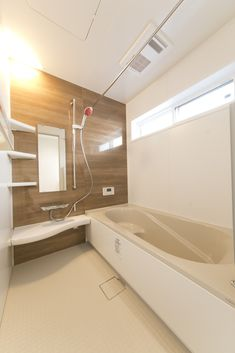 LIXILアライズ1616 Japanese Style Bathroom, Muji Home, Bathroom Styling, Bathtub, Windows, Interior, House, Design, Home Decor