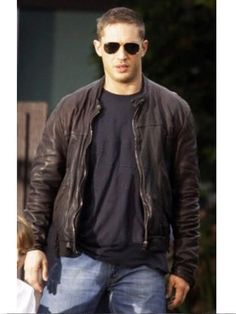 Fit Jackets store offer a wonderful Tom Hardy This Means War movie leather jacket for $129 with Free shipping and gifts. It is excellent men outfit for causal hangouts, party, dates, college, bikers and winter. Save upto 50% on all clothing. Hurry, Limited Time offer, order now!!  #TomHardy #Tuck #ThismeansWar #MensCoat #Fashion #Shopping #Stylish #MensWear #MensOutfit #MensFashion #StyleMens #WinterCostume #MensClothing
