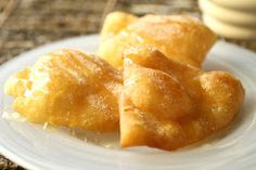 Savoury Table: Muy Bueno Spotlight #3: Vangie's Sopaipillas and a Giveaway