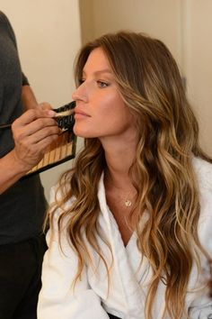 Love her hair - Gisele Bundchen - stunning beauty