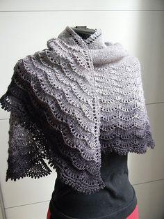 Stormy Skies Knit Lace Shawl || Free Pattern