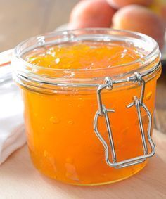 Peach and Amaretto Jam Recipe-more jam and jelly recipes on this site. Chutneys, Salsa Dulce, Homemade Jelly, Jam And Jelly, Jelly Recipes, Sweet Sauce, Canning Recipes, Sauces, Food Gifts