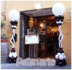 allestimento colonne palloncini anniversario ristorante