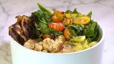 Sqirl chef Jessica Koslow show you how to make a healthful rice bowl Noodle Bowls, Rice Bowls, Grain Bowl, Grains, Good Food, Veggies, Lunch, Beef, Dishes