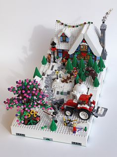 Mod 6 and 12 connected together Lego Christmas Village, Lego Winter Village, Easy Lego Creations, Lego Bridge, Lego Gingerbread House, Casa Lego, Lego For Kids, Lego Room, Pink Christmas