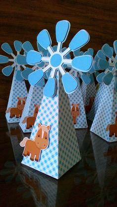 Fazemos no tema da sua festa! #gomaeva Farm Animal Party, Farm Party, Horse Birthday Parties, Farm Birthday, Packaging Box, Eid Cards, Western Parties, Baby Presents, Farm Theme