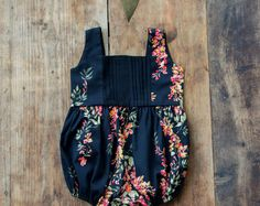 SALE! Black baby flower romper/ baby romper with pleats/302AW16