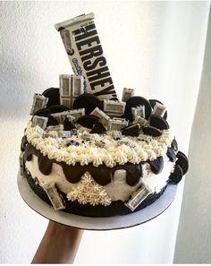 Cookies and cream cake/ cheesecake