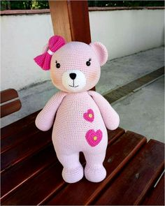 For those who want to prepare Amigurumi, there are a variety of Amigurumi recipes. Gorgeous and Amigurumi recipes that I like yaai Knitted Teddy Bear, Crochet Teddy, Crochet Bear, Crochet Patterns Amigurumi, Amigurumi Doll, Crochet Dolls, Free Crochet, Baby Toys, Bear Toy