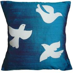 Google Image Result for http://ukhandmade.co.uk/sites/default/files/imagecache/large/LIZ_FOSTER_three_birds_PEACOCK_handmade_cushion_liz_foster_main.jpg