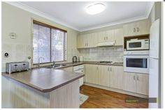 Real Estate - Property Research for Glenwood - Knightsbridge Ave 78