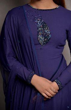 Churidar Designs, Kurti Neck Designs, Kurta Designs Women, Kurti Embroidery Design, Embroidery Neck Designs, Embroidery Fashion, Full Sleeves Design, Kurti Sleeves Design, Indian Fashion Dresses