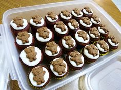 Tiny Teddy mini cupcakes
