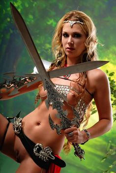 Alice Catcher looks like a babe that should be on. Archery Poses, Amazons Women Warriors, Sexy Gay Men, Warrior Girl, Warrior Women, Armada, Cosplay Girls, Sensual, Sports Women