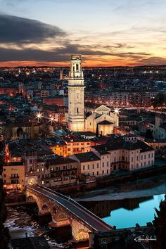 Ponte di Pietra, Verona, Italy (by Giuliano Cattani)# italy # italia # verona # veneto # bridge # river # skyline # city # night # lights # sky # vertical # ponte di piertaOctober 8 – 22590 Notes #italyvacation