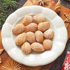 Mandlové pracny se skořicí Almond, Cookies, Food, Crack Crackers, Biscuits, Essen, Almond Joy, Meals, Cookie Recipes