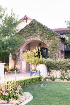 Unique House Design, Dream Home Design, Cottage Farmhouse, Cottage Style, Arcadia Phoenix, Phoenix Arizona, Contemporary Home Decor, Modern Exterior, Spanish Style
