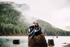 Foggy Engagement Photos in the Pacific Northwest by ©Ryan Flynn Photography.
