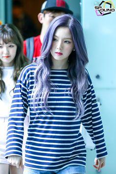 Red Velvet - Irene Red Velvet Seulgi, Red Velvet Irene, Korean Girl, Asian Girl, Korean Idols, Kpop Hair, Brave Girl, Famous Girls, Beautiful Gorgeous