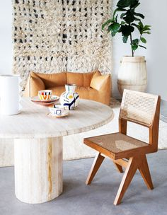 Morocco Meets Byron Bay In This Modern Bohemian Wonderland Bohemian House, Bohemian Interior, Modern Bohemian, Interior Styling, Interior Design, Hippie Stil, Shabby Chic Table And Chairs, Inspired Homes, Contemporary Interior