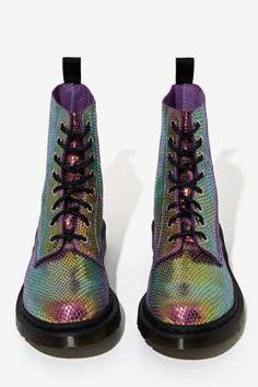 Doc Martens Pascal 8-Tie Boot - Iridescent