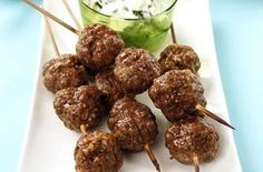 Lamb kebabs This lamb kebab recipe combines minced lamb, fresh herbs and white breadcrumbs to make a delicious quick and easy dinner recipe that cost only £5 per head - perfect if you're counting those pennies.
