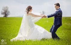 Gelin ve damadın en özel anıdır düğünler. Bu düğünün tekrar olmayacaktır. Bu yüzden düğün fotoğrafçısı olmak büyük bir önem taşımaktadır. Sadece fotoğrafçı