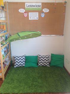 Klassenzimmer in der Grundschule: Leseecke