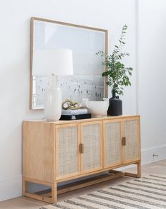 Console Cabinet, Cabinet Doors, Home Living Room, Living Spaces, Sideboard Decor, Dining Room Sideboard, Muebles Living, Decoration, Home Organization