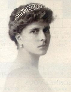 Princess Alice of Greece, Prince Philip's mother. It is not well known that she was deaf. More info here: http://lisawallerrogers.wordpress.com/2010/07/01/prince-philips-mum-had-a-habit/  I would like to know more though...how much sign language did she use and which one?