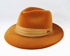 Chapéu Fedora Orange - Aba Média. Chapéu de praia, clochê, floppy, são ótimos…