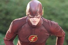 Close up of the CW Flash costume worn by Grant Gustin's Flash. First Shots Of Grant Gustin Wearing 'The Flash' Costume. From Celebrity Buzz The Cw, Alter Ego, Gi Joe, Comic Book Characters, Comic Books, Flash Tv Series, Flash Barry Allen, The Flash Grant Gustin, Jane The Virgin