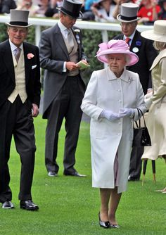 Queen Elizabeth II Photo - Day Two of Royal Ascot 2011
